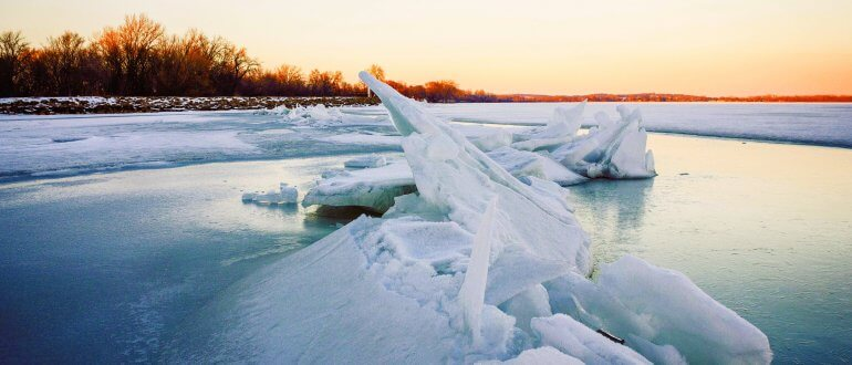 frozen-sunset-on-lake-mendota