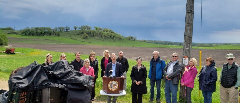 Press conference announcing Dane County's 160 acre land purchase