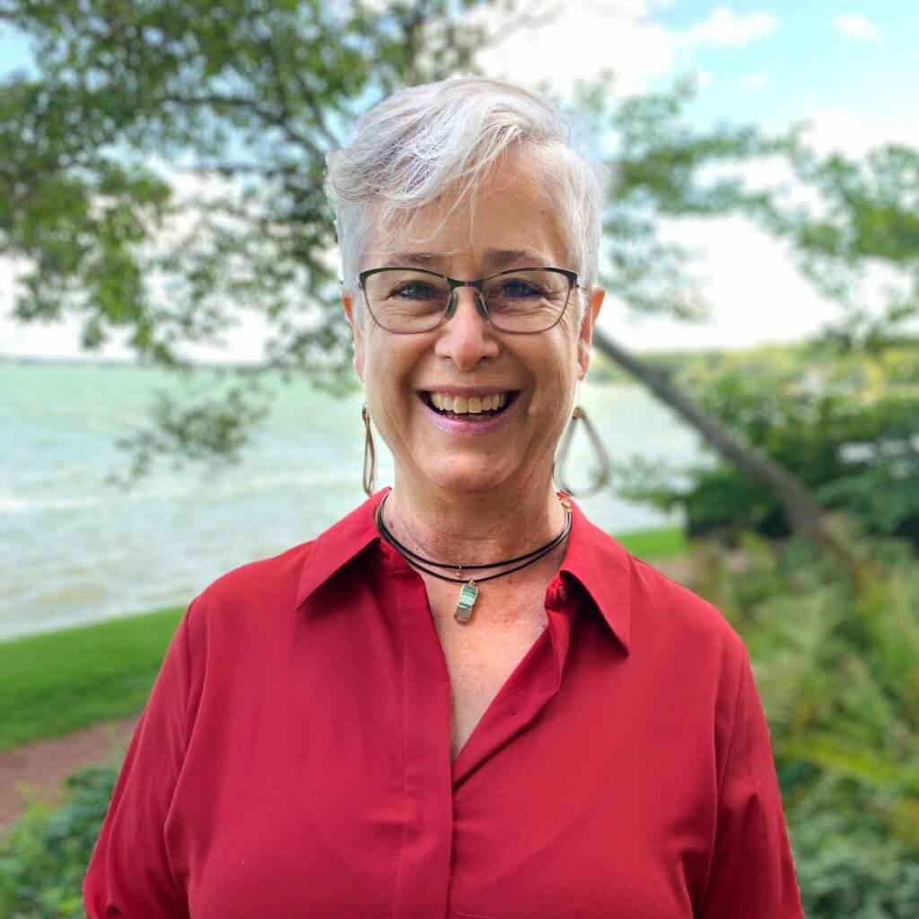 Dea Larsen Converse with Clean Lakes Alliance